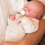Baby Anna-Elisabeth geboren im Geburtshaus Marburg