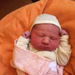 Baby ella geboren im Geburtshaus Marburg