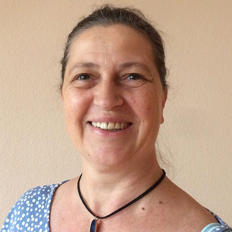 Hebamme Angelika Holl-Bernard